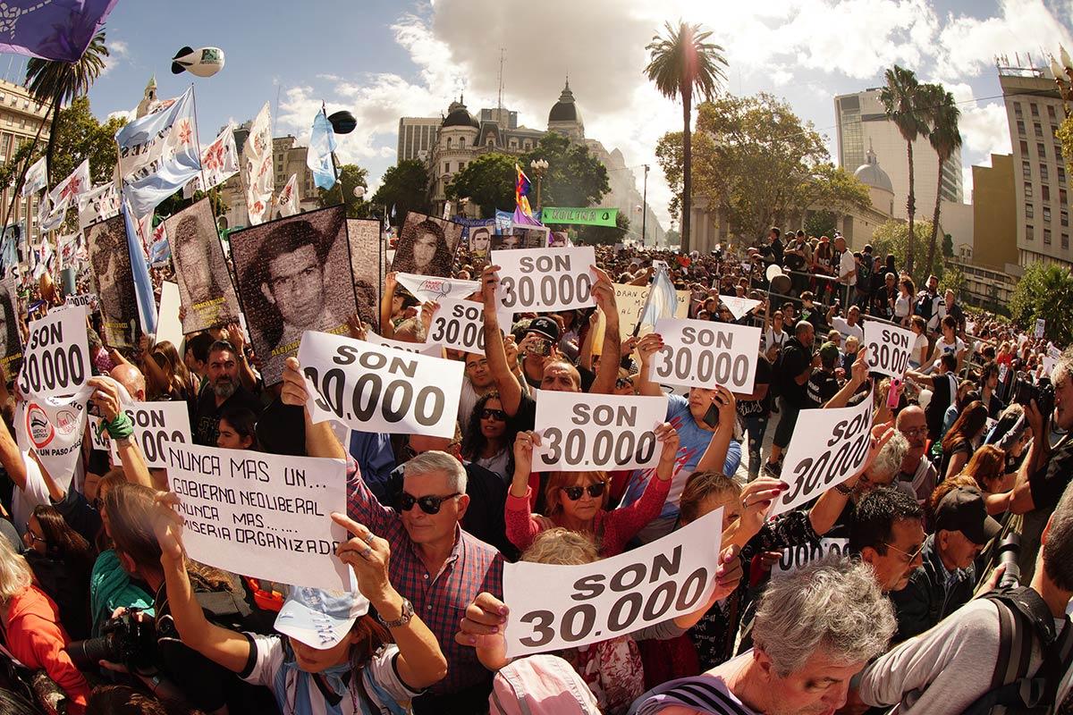 """Un diputado de Cambiemos presentó un proyecto para derogar la expresión """"30  mil desaparecidos"""" - Tiempo Argentino"""